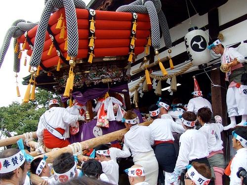 呉市 吉浦八幡神社例大祭 かに祭り2010!迫力満点の宮上がりは必見!