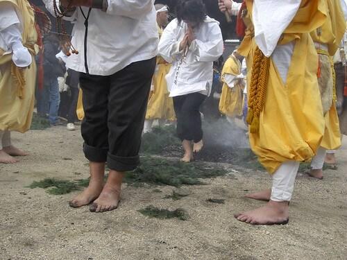宮島 大聖院で 火渡り式11