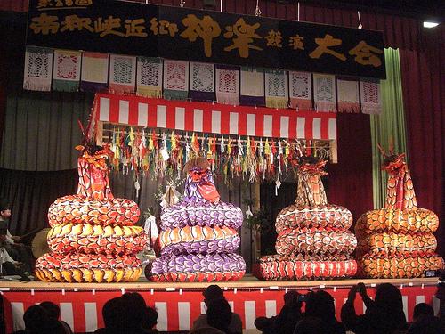 広島 庄原市で神楽競演大会
