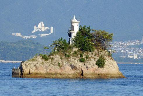 安渡島灯台、江田島や広島港を見守る海の道しるべ
