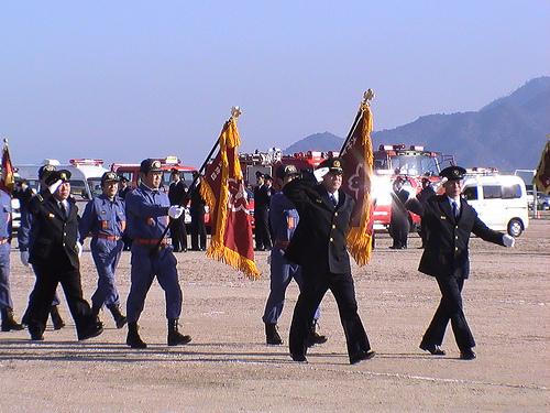 大竹市消防出初式、晴海公園で消防団行進や一斉放水!