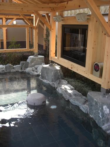 ほの湯 楽々園 露天風呂