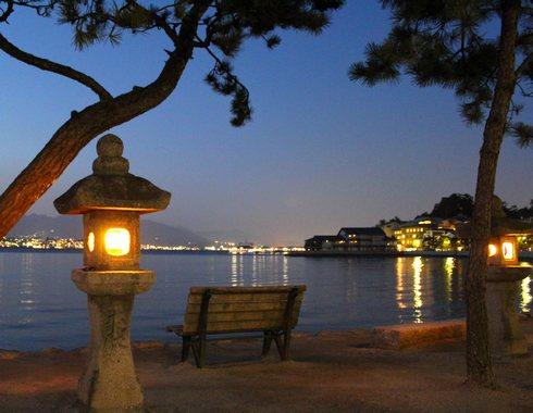 夜 安芸の宮島 画像3