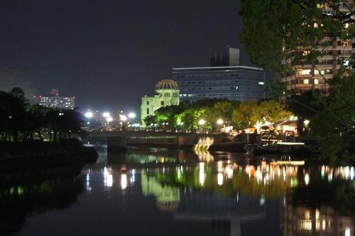 賑やか、だけど癒される 広島市中区の夜の風景 写真11枚