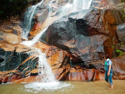 妹背の滝、廿日市市大野のマイナスイオンに包まれる納涼スポット
