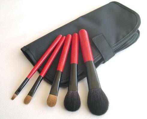 竹田ブラシ 熊野筆、なでしこジャパンに贈られたのは 世界一を誇る広島県の熊野筆