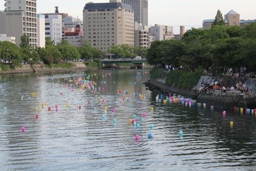 広島 灯篭流し 画像4