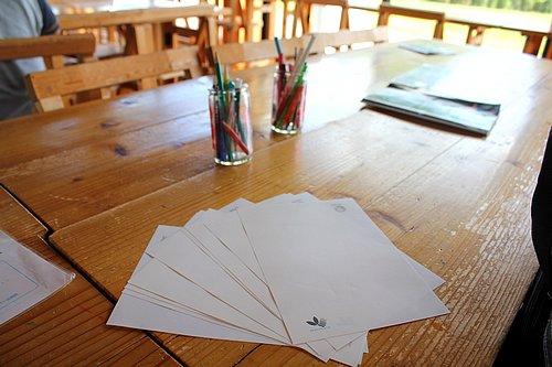 紙ヒコーキタワー エコな用紙を貰う