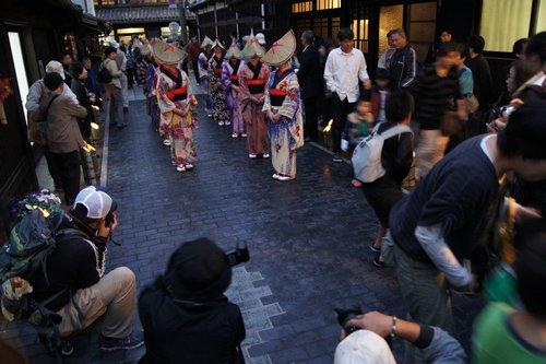 町並み竹灯り 竹原市にてライトアップと、やっさっさ流し踊り