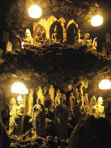耕三寺 洞窟の中