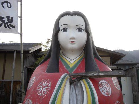 巨大な かぐや姫と竹原市の「竹の駅」って何?