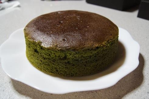 茶の環 抹茶バターケーキ、色鮮やかな緑が美しい