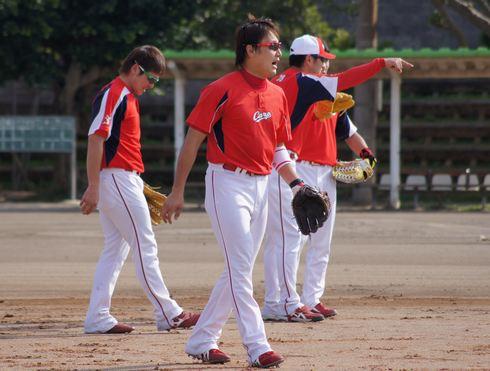 気合の丸選手、144試合フル出場目指す 広島カープ