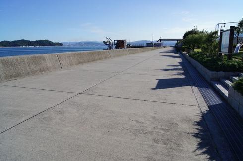 小田島公園 魚釣り防波堤