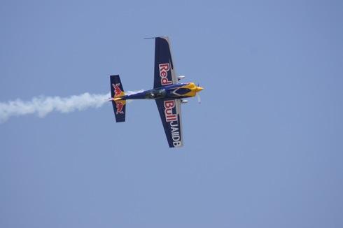岩国 航空ショー2012に レッドブル(Red Bull)エアショーも