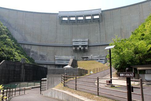 温井ダムの地下トンネル