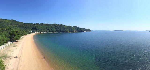 桂浜海水浴場、白い砂浜と松原の歴史感じるビーチ