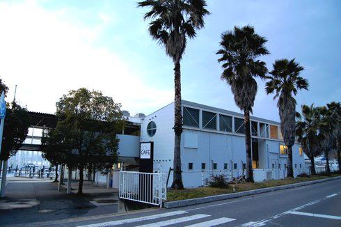 SOFU cafe(爽風カフェ)、境が浜マリーナで海とヨット眺め