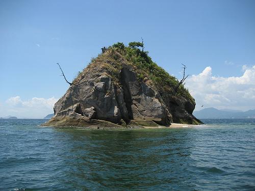 津久根島、広島湾に浮かぶ小さな無人島の「あまんじゃく伝説」