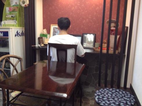 あなごめし 和田 店内のカウンター席