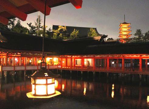 夕暮れ時から 宮島を楽しむ 画像12枚 「瞬きするのももったいない」