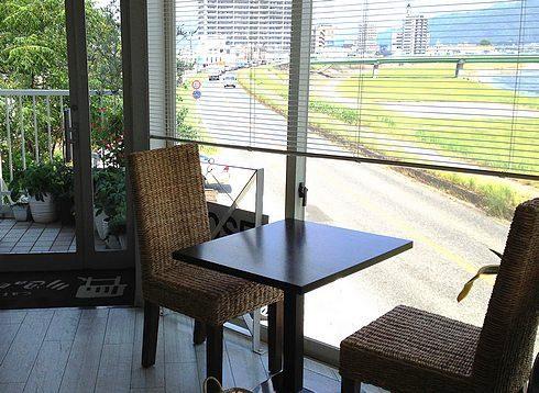 広島のcafe 川辺の四季、太田川を見下ろしながらのんびりヘルシーランチ