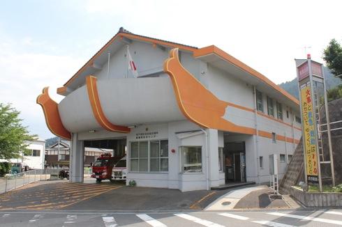 2階に船が乗ってる消防署!? 倉橋にビックリな光景