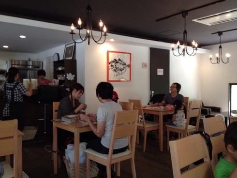 宮島 まるかふぇカフェスペースの様子