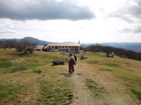 吾妻山(広島) 山頂から降りて来た所