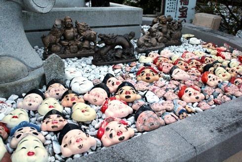 因島 大山神社の中の 七福神のお面