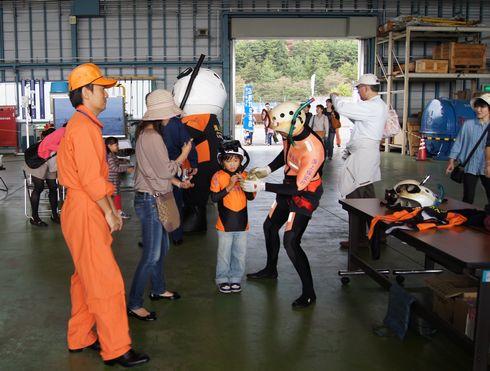 広島空港祭り 海猿と写真撮影