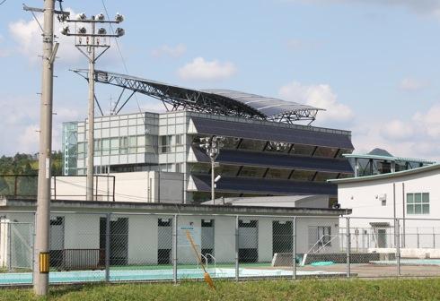 北広島町役場 左斜め後ろからの写真