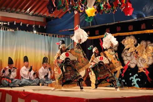 栗栖神楽団の 演舞の画像