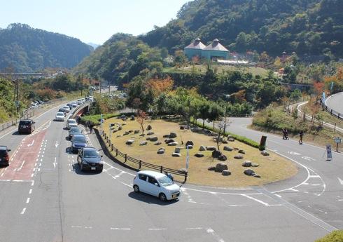 温井ダムへの渋滞 画像