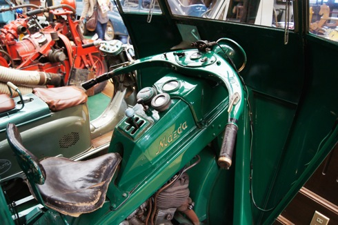 自動車時計博物館 三輪自動車 広島タクシー2