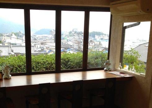 さらすわてぃ、福山市鞆の浦に 眺めの良いギャラリーカフェ