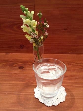 宇品 Ship(シップ) テーブルに生けられた花