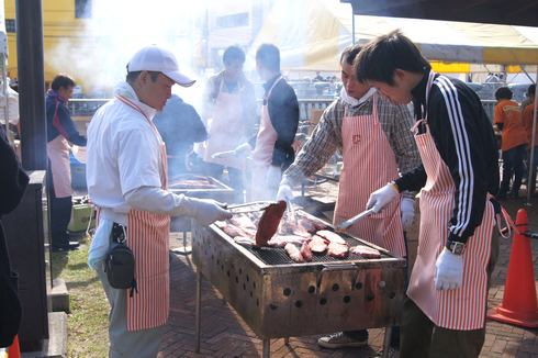 くれ食の祭典 肉焼きブース