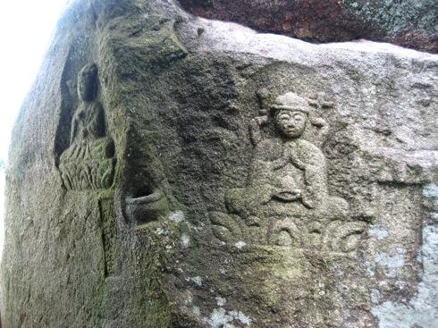 白滝山 五百羅漢 岩に掘ってあるタイプ