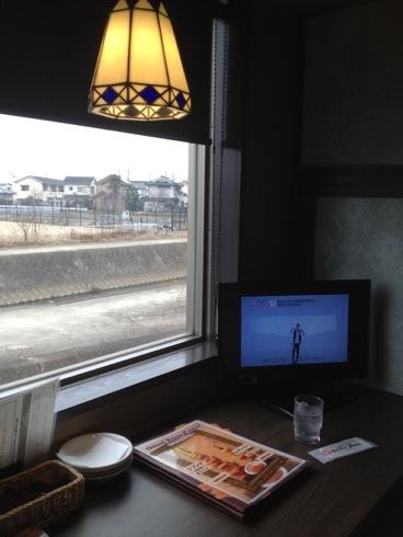 ベビフェ 個室にテレビがある様子