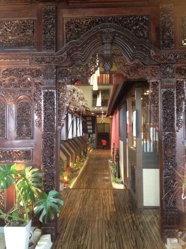 ベビーフェイスプラネッツ バリの雰囲気漂う家具