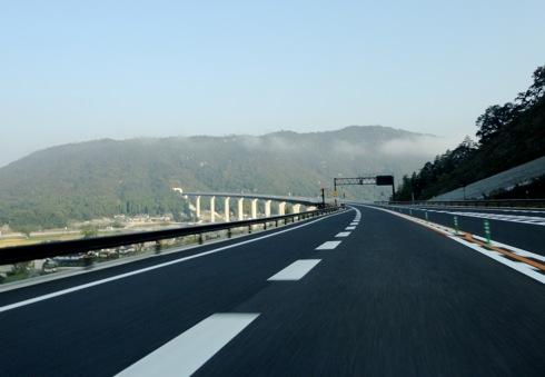 中国横断自動車道 松江自動車道が全線開通
