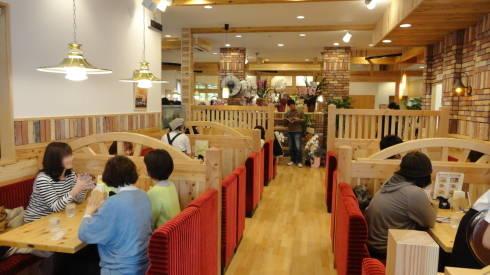 コメダ珈琲店 広島 店内の様子2