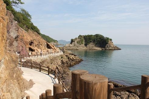 鞆の浦 仙酔島の五色岩 への遊歩道の画像2