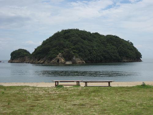 鞆の浦 仙酔島の浜辺