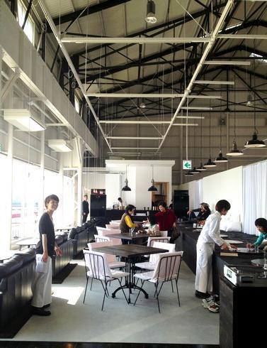 カフェ 24/7 coffee&roaster 宇品FLEX店内の様子
