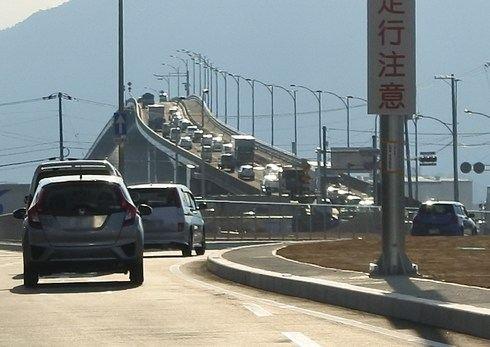 はつかいち大橋は、広島の「ベタ踏み坂」