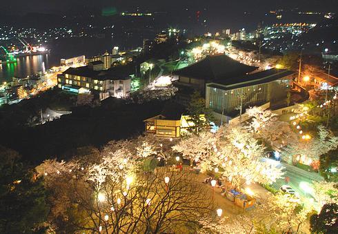 尾道・千光寺公園の桜 ライトアップ!夜桜を楽しめる1か月間
