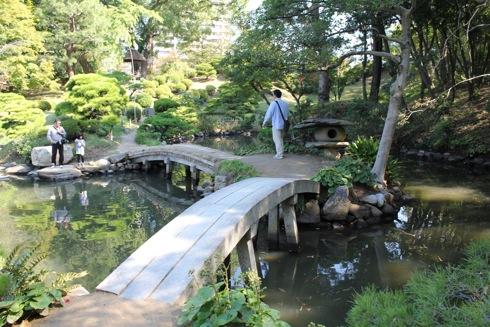 縮景園 の中の橋