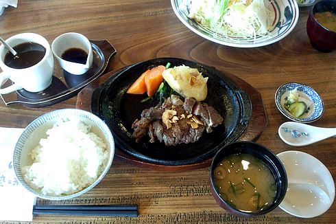 染と茶 可部店 ステーキ定食1